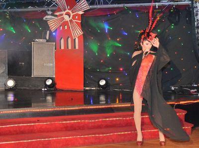 Viva la vie au cabaret LA BELLE EPOQUE